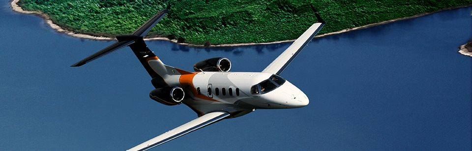 EMBRAER_PHENOM_300_big_1